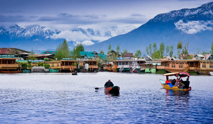 Srinagar in Top 10 Best Places To Visit India In Summer