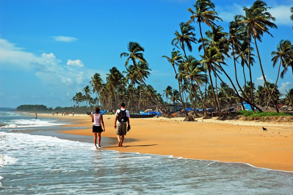 Anjuna-Beach-goa-tour-min